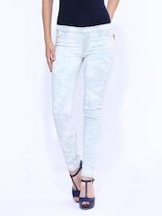 Calvin Klein Jeans Women Off-White & Blue Jeggings