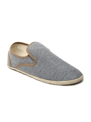 Carlton London Men Grey Casual Shoes