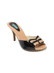 Catwalk Women Black & Brown Sandals