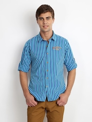 Cherokee Men Blue Striped Slim Fit Casual Shirt