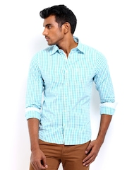 Classic Polo Men Blue & White Checked Slim Fit Casual Shirt