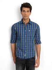 Classic Polo Men Blue & Yellow Checked Slim Fit Casual Shirt