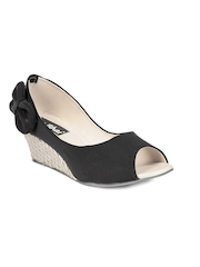 Do Bhai Women Black Wedges