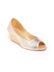 Do Bhai Women Gold Toned Peep Toes