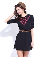 DressBerry Black Flare Berry Dress