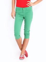 Elle Women Green Capris