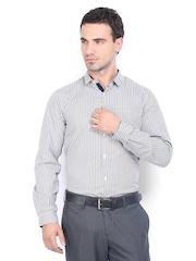 Excalibur Men White & Blue Checked London Slim Fit Formal Shirt