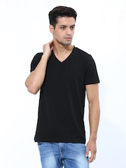 FREECULTR Men Black T-shirt
