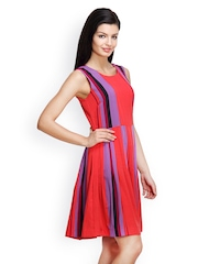 Famous by Payal Kapoor Red Printed Shift Dress