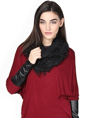 Femella Black Snood