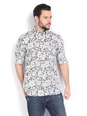 French Connection Men White & Black Bobbin Printed Slim Fit Casual Shirt
