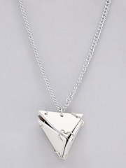Fume Women White Pendant
