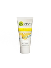Garnier Women Light Fairness Face Wash 50g