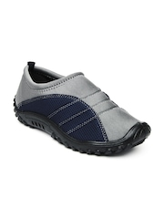 Gliders Men Grey Casual Shoes