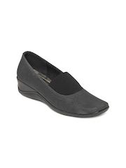 Inc 5 Women Black Leather Wedges