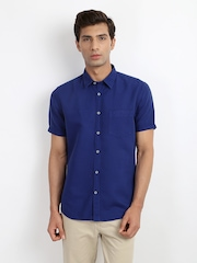 Indian Terrain Men Blue Linen Blend Chiseled Fit Smart-Casual Shirt