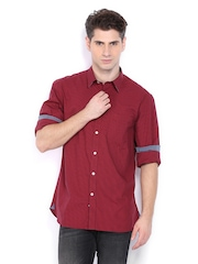 Indian Terrain Men Red & Navy Checked Slim Fit Smart-Casual Shirt