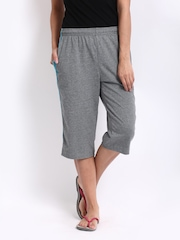 Jockey Women Grey Melange Relaxed Fit Capris 1306