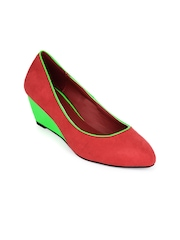 Jove Women Red & Green Pumps