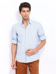 Lee Men White & Blue Striped Slim Fit Casual Shirt