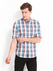 Levis Men Maroon & Blue Checked Slim Fit Casual Shirt