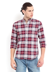 Levis Men White & Red Checked Slim Fit Casual Shirt