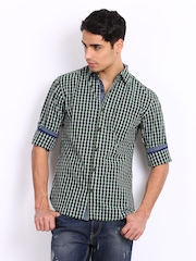 Locomotive Men Green Checked Slim Fit Casual Shirt