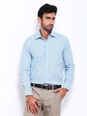 Mark Taylor Men Blue Striped Slim Fit Formal Shirt