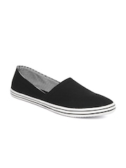Mast & Harbour Men Black Casual Shoes