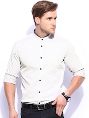Mast & Harbour Men Off-White & Grey Slim Fit Smart Casual Club Shirt