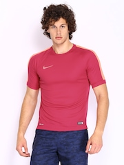 Nike Men Burgundy T-shirt