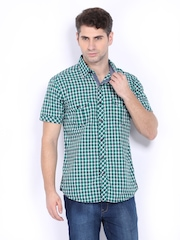 Pepe Jeans Men Green & White Checked Semi Fit Casual Shirt