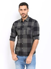 Pepe Jeans Men Grey & Black Checked Slim Fit Casual Shirt