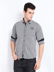 Pepe Jeans Men White & Black Checked Semi Fit Casual Shirt