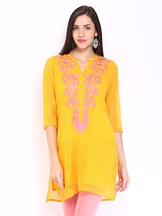Rain & Rainbow Women Yellow Printed Kurta