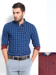 Roadster Men Blue & Red Checked Reversible Slim Fit Casual Shirt