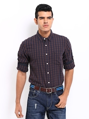 Roadster Men Brown & Navy Checked Shelby Slim Fit Casual Shirt