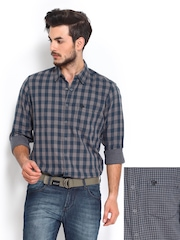 Roadster Men Grey & Blue Checked Reversible Slim Fit Casual Shirt