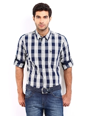 Roadster Men Navy & White Vettle Checked Shelby Slim Fit Casual Shirt