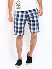 Roadster Men Blue & White Checked Shorts