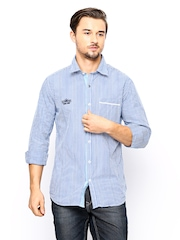 Scapes by TWILLS Men Blue & White Gingham Checked Slim Fit Casual Shirt