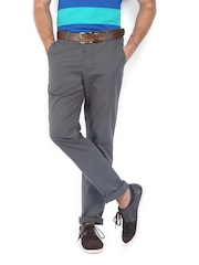 Scullers Men Grey Slim Fit Chino Trousers