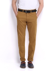 Scullers Men Mustard Brown Slim Fit Chino Trousers