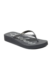 Skechers Women Grey Flip Flops