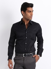 Turtle Men Black Slim Fit Tailored Formal Shirt