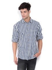 Turtle Men Off-White & Navy Checked Slim Fit Casual Shirt