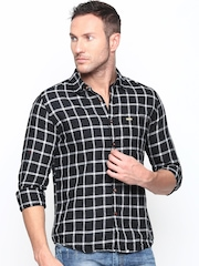 Turtle Men Black Checked Slim Fit Khadi Casual Shirt