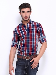 U.S. Polo Assn. Men Red & Blue Checked Slim Fit Casual Shirt