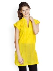 VANI Women Yellow Kurti