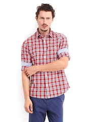 Van Heusen Sport Men Red & White Checked Cotton and Linen Blend Slim Fit Casual Shirt